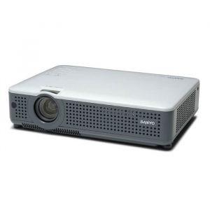 Videoproiector Sanyo PLC-XU78